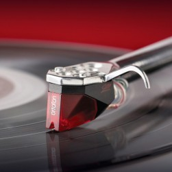 Ortofon 2M Red turntable