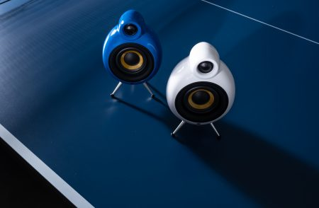 MicroPod Air blue and white